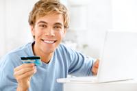 Student mit Kreditkarte